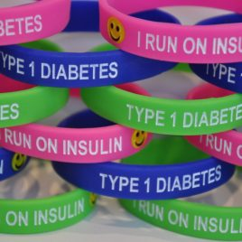 I RUN ON INSULIN CHILD WRISTBAND